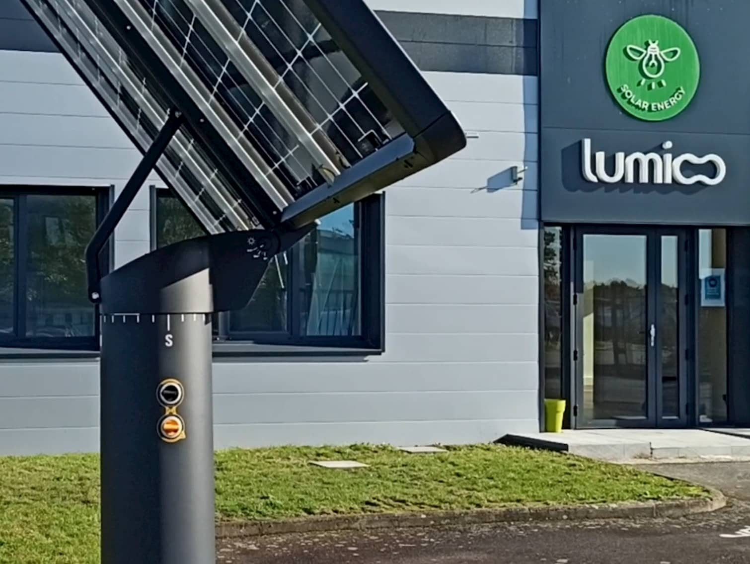 Focus vidéo sur le mât du tracker solaire  Lumioo